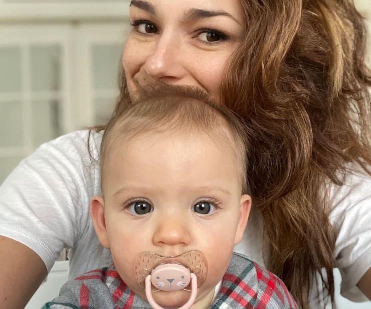 Alena e la bambina