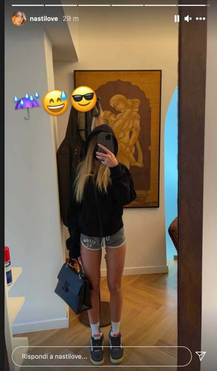 Chiara Nasti in pantaloncini a gennaio
