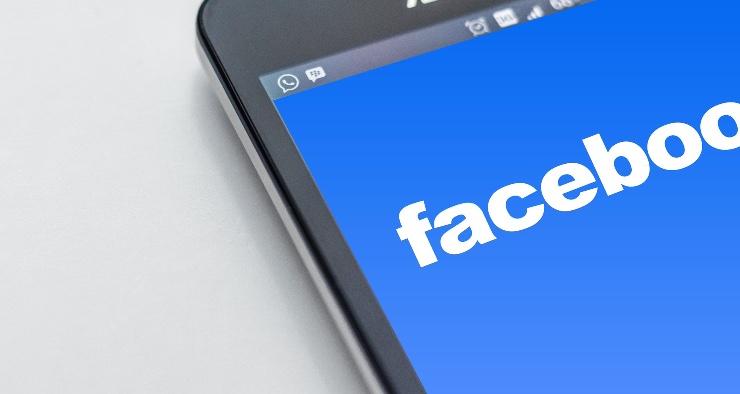 Facebook controlli per i minori
