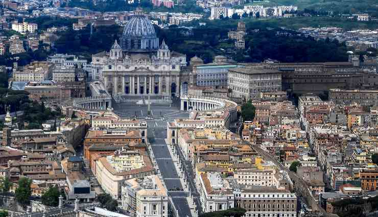 riaprono musei vaticani