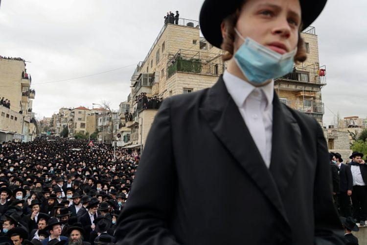 gerusalemme funerale ventimila persone covid israele