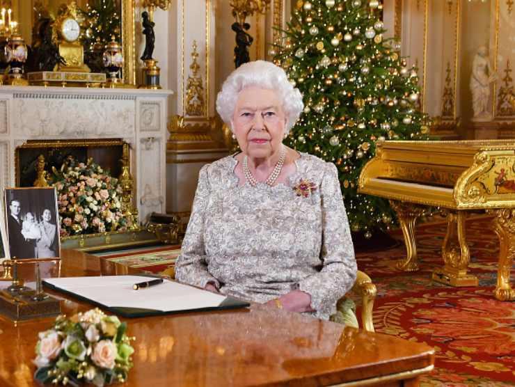 Regina Elisabetta servitù