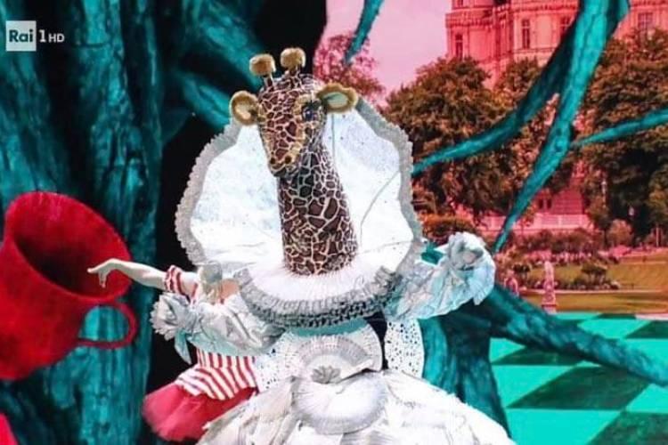 cantante mascherato baby alieno ritorno milly carlucci
