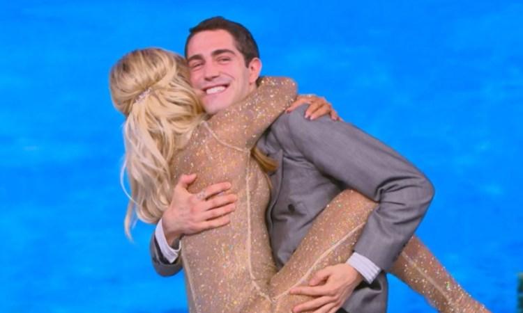 Tommaso Zorzi abbraccia Vera Gemma
