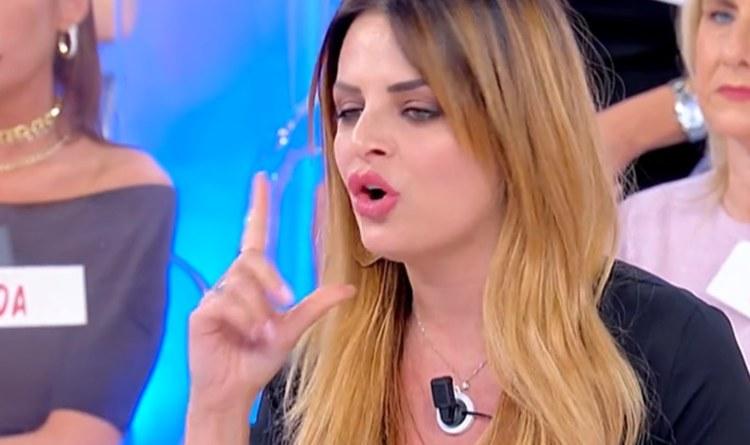 Roberta Di Padua arrabbiata