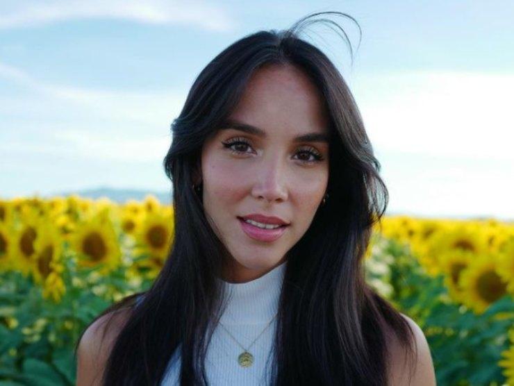 Paola Di Benedetto acne