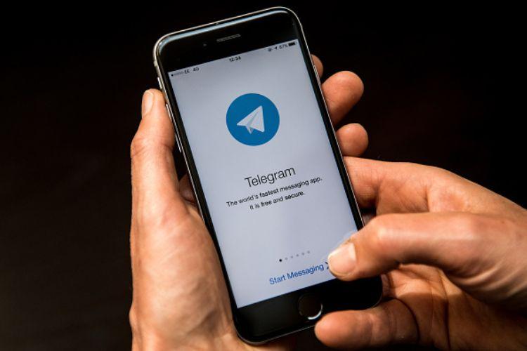 telegram whatsapp aggiornamento concorrenza social internet messaggi