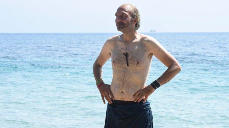 Ubaldo Lanzo in spiaggia