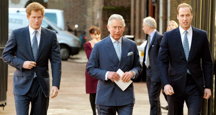 Principe Carlo con i figli William e Harry