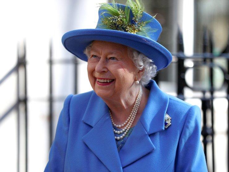 regina Elisabetta avvelenamento
