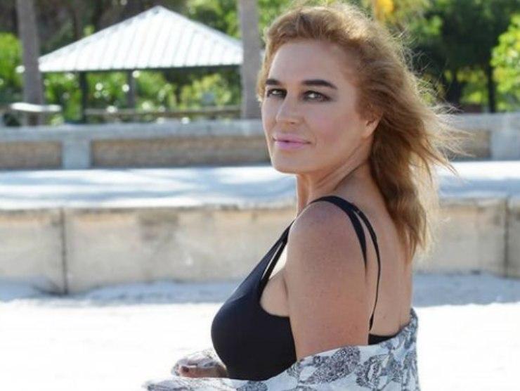 Lory Del Santo flirt estivi Mancini