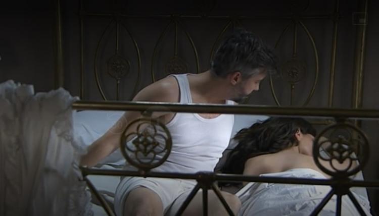 Felipe e Laura a letto Una Vita