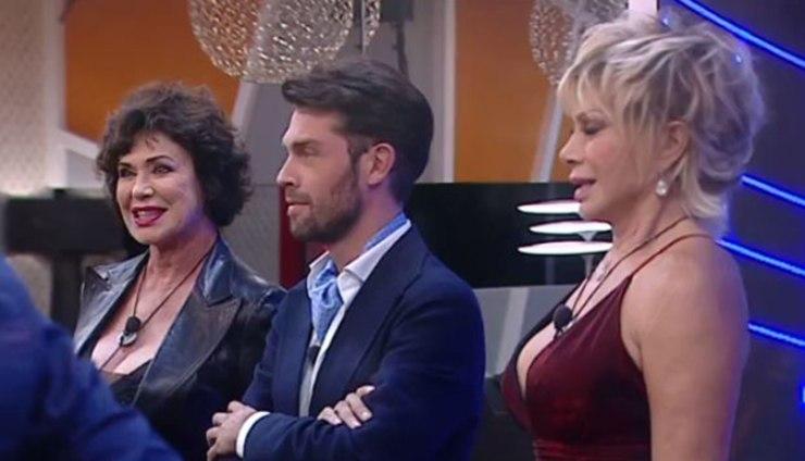 Corinne Clery, Carmen Russo e Raffaello Tonon