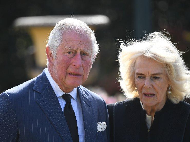 Carlo Camilla matrimonio royal family
